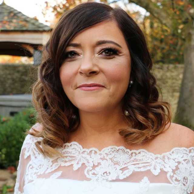 gail's bridal hair and makeup from alice taper makeup artist