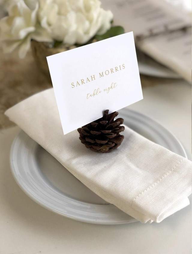 27 Wedding Place Cards & Escort Cards: Ideas and Main Differences