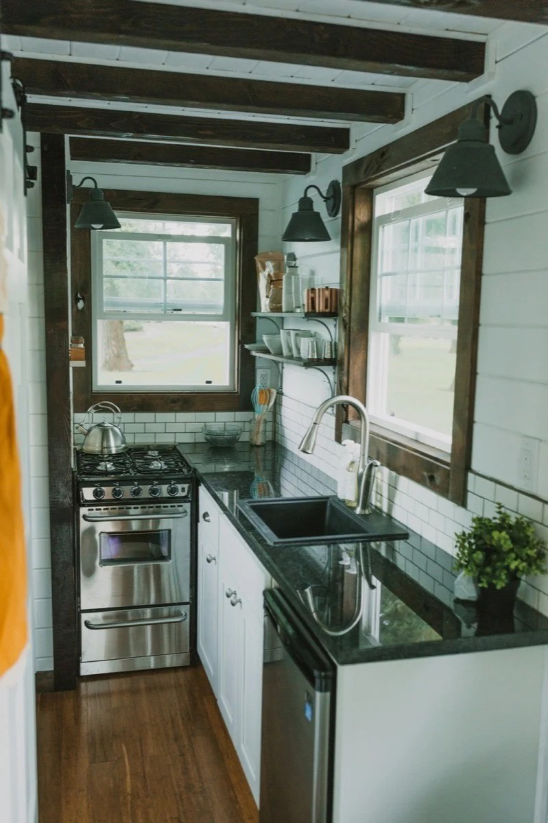 10 Tiny Kitchens in Tiny Houses That Are Adorably Functional on Rustic:rkh3E0Gkuju= Farmhouse Kitchen Ideas  id=82395