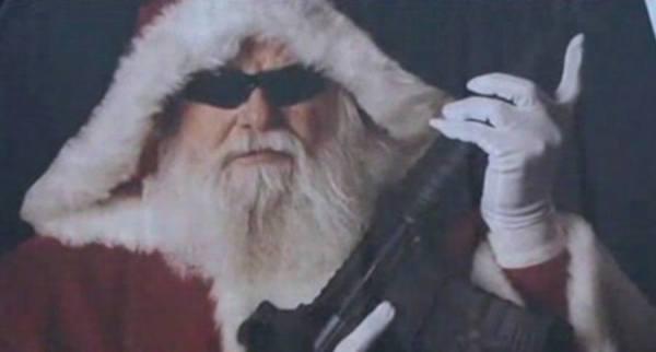 What's So Controversial About This AR-Toting Santa? [VIDEO]