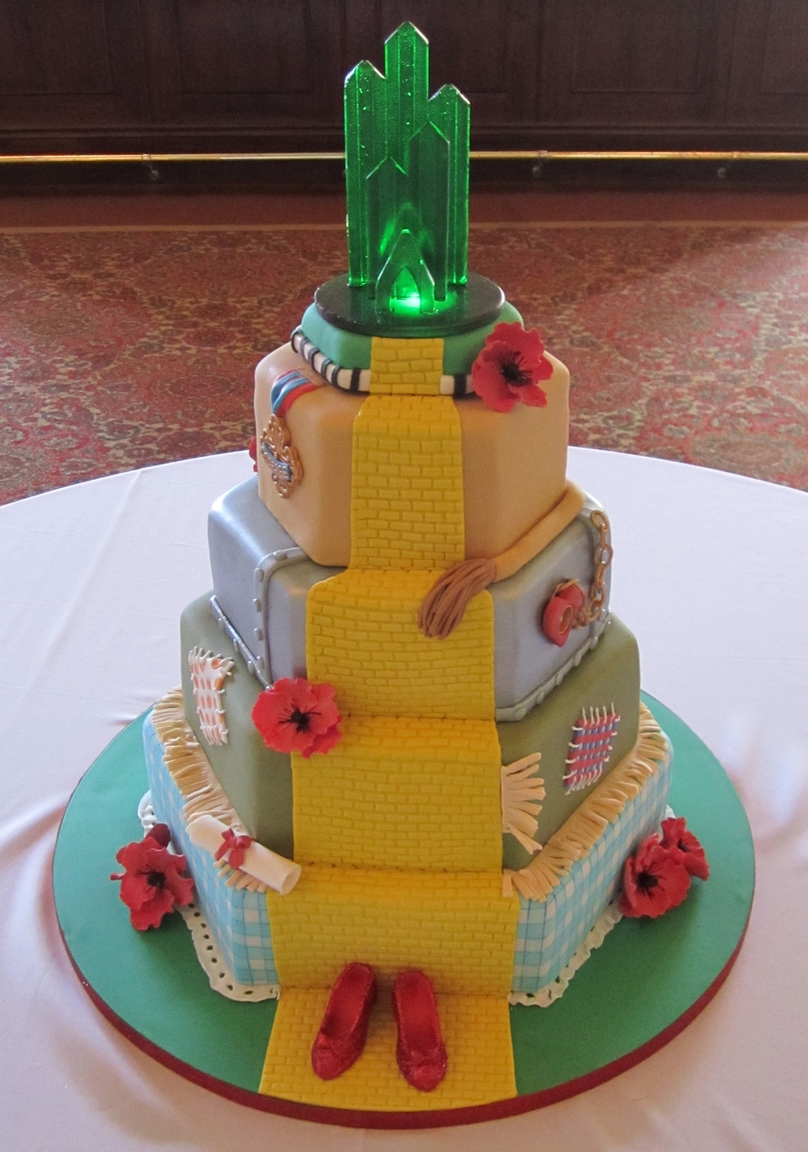 4 Tier Wizard Of Oz Graduation Cake Fondant Covered With18