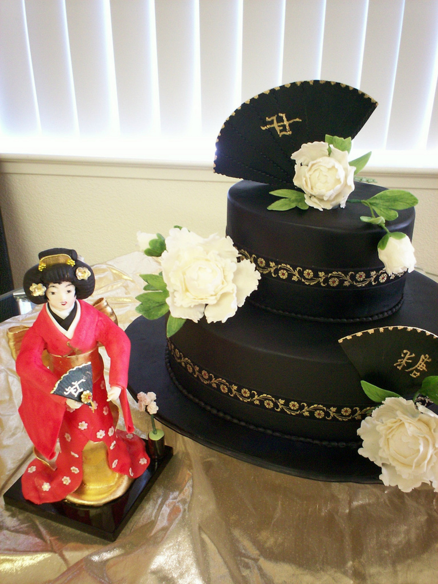 Asian Showcake With Gumpaste Geisha
