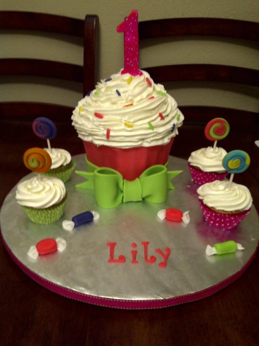 1st Birthday Cupcake Cake Cakecentral Com