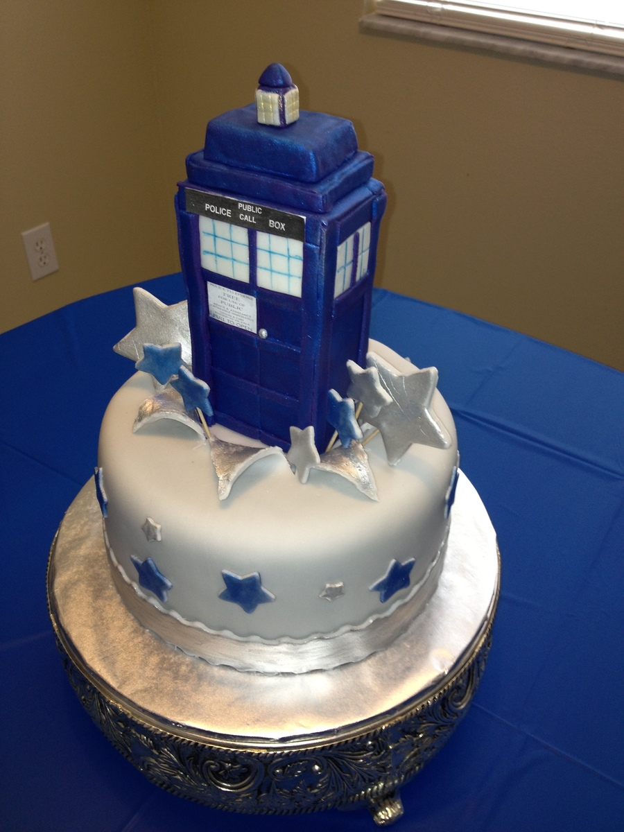 Dr Who Tardis Cake The Tardis Is Where The Dr Travels