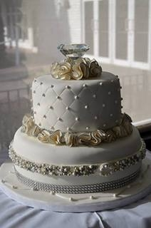 Bridal Shower Cake Pearls And Diamonds Cakecentral Com