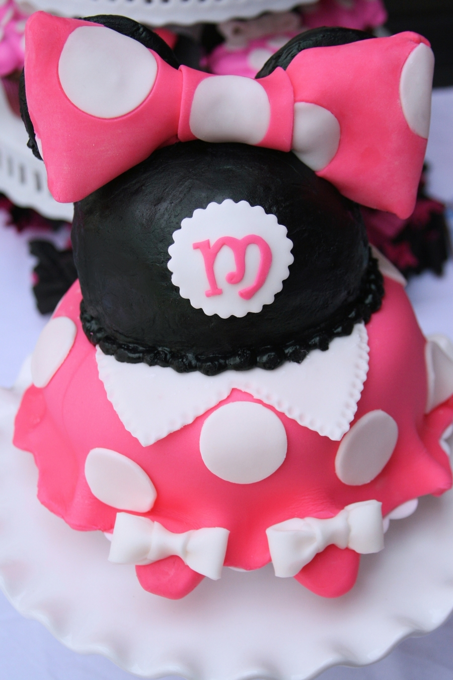 Minnie Mouse Pink And Black Cakecentral Com