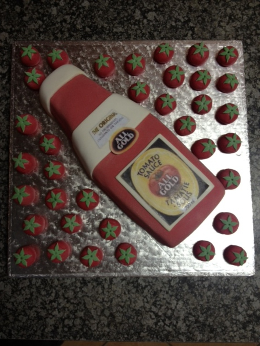All Gold Tomato Sauce Cake Becaus There Is 36 Tomatoes