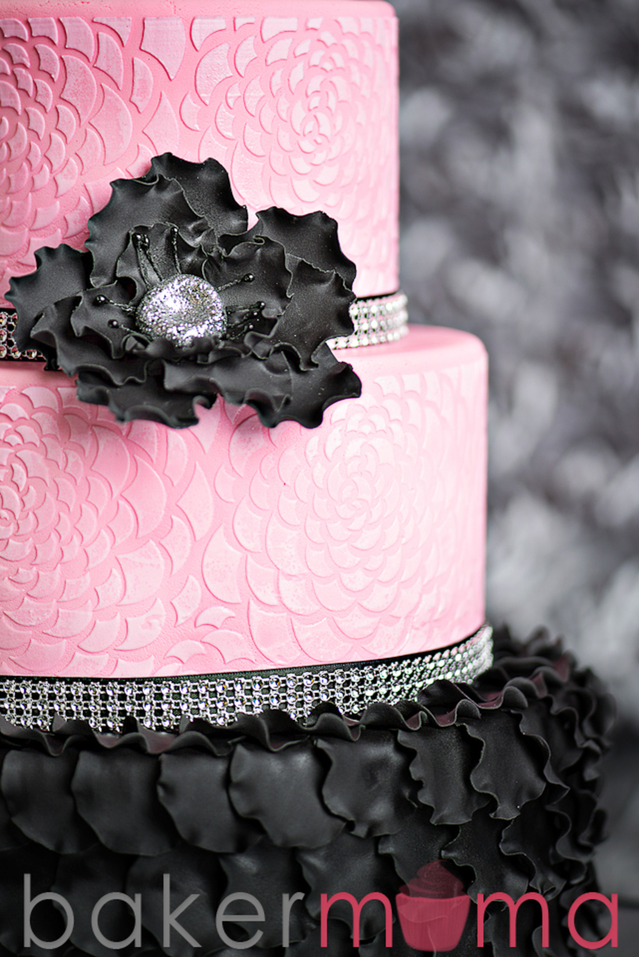 Another Year Of Fabulous Pink Amp Black Cake Cakecentral Com