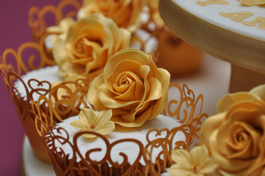 Golden Wedding Anniversary Cake And Cupcakes By Finesse