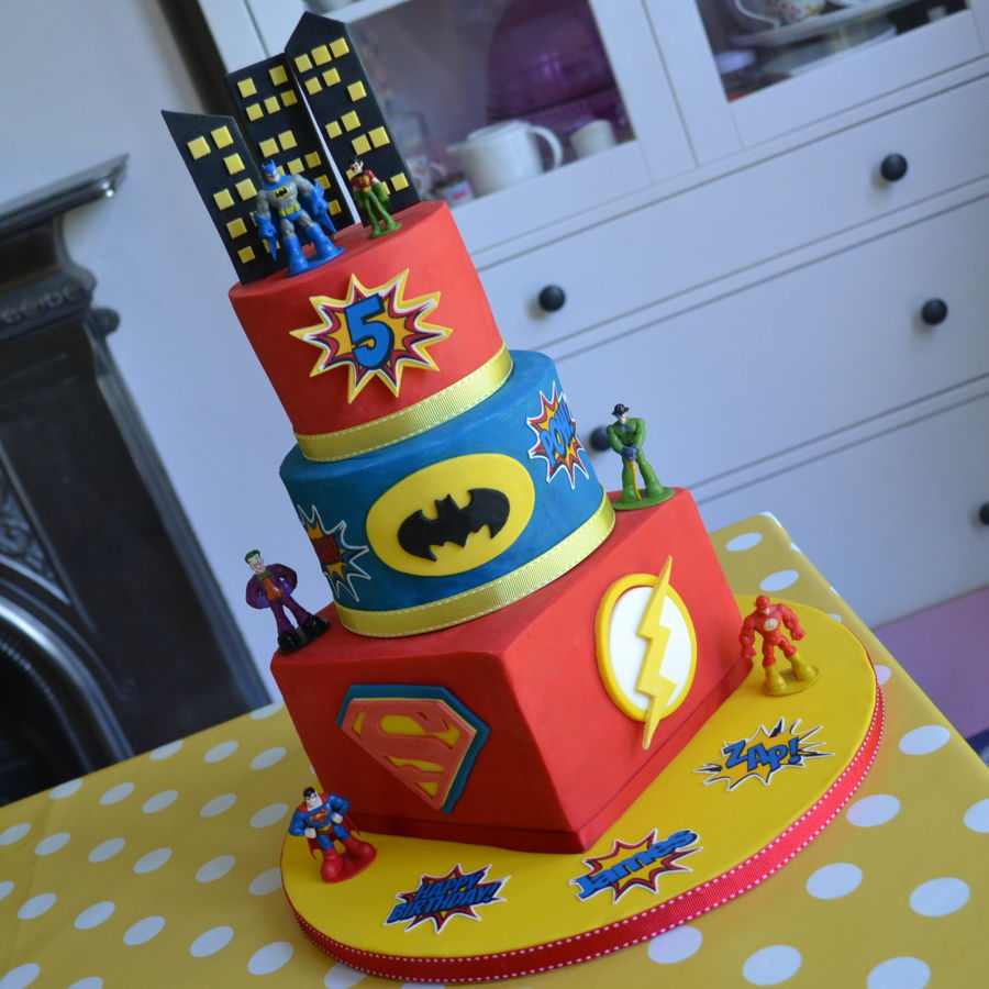 Batman Robin The Flash Superman Cake Cakecentral Com