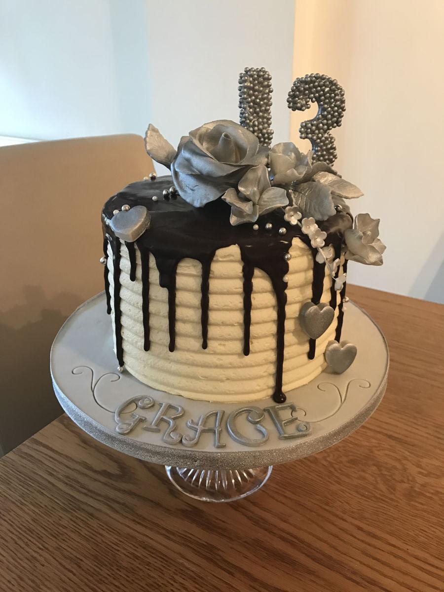 Silver Flower Drip Cake Cakecentral Com