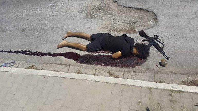 Así quedó el cuerpo del terrorista abatido tras el ataque