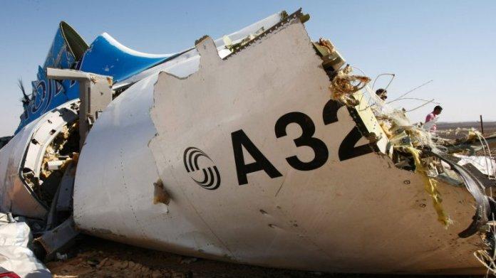 Restos del avión de Metrojet en Egipto
