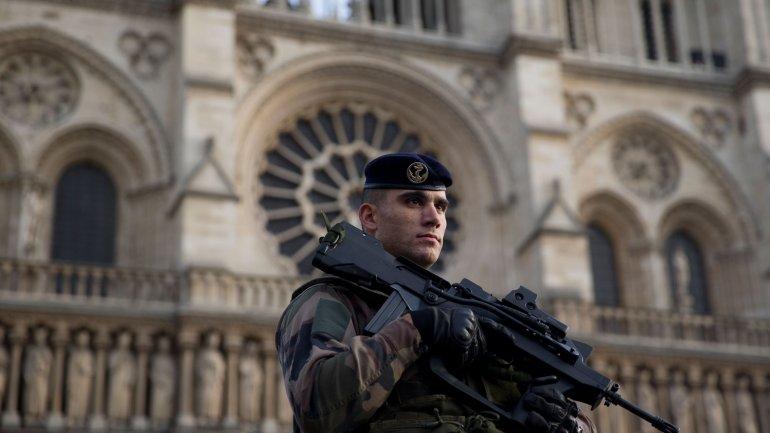 Francia puso en marcha la Operación Centinela en la víspera de Año Nuevo