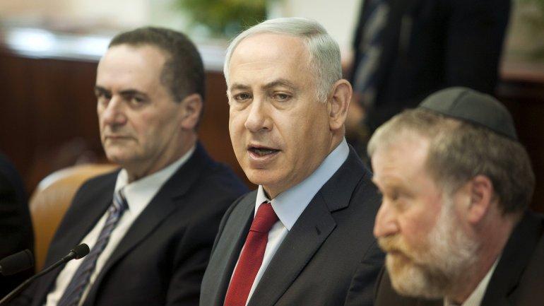 Benjamin Netanyahudurante el consejo de ministros