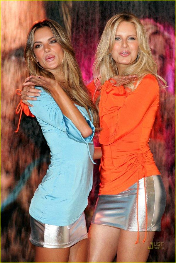 Victoria's Secret Embrace: Photo 2416808   Alessandra ...