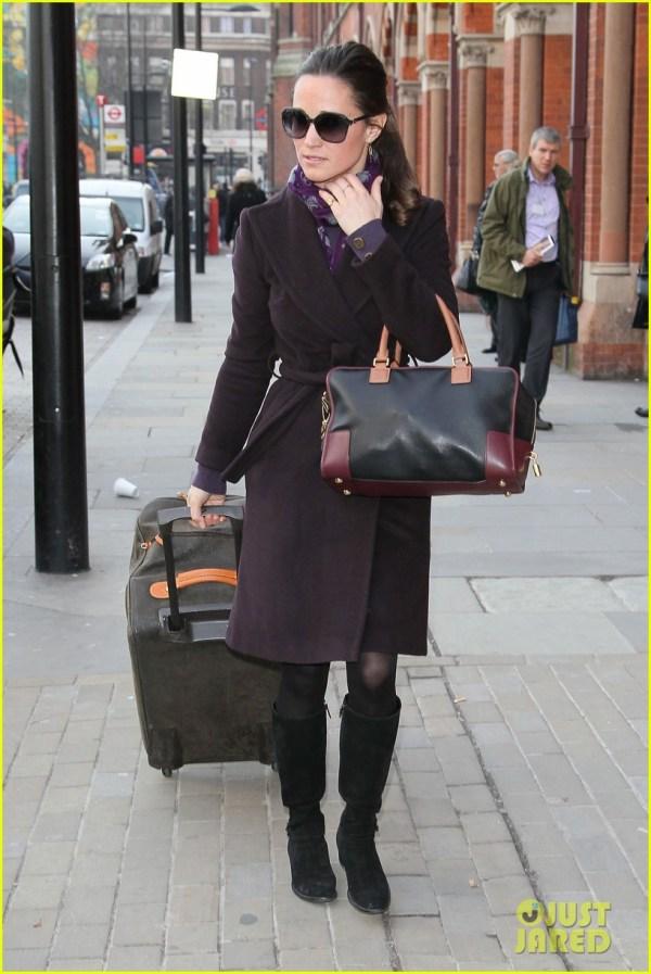Duchess Kate: St. Andrew's School Visit!: Photo 2766756 ...