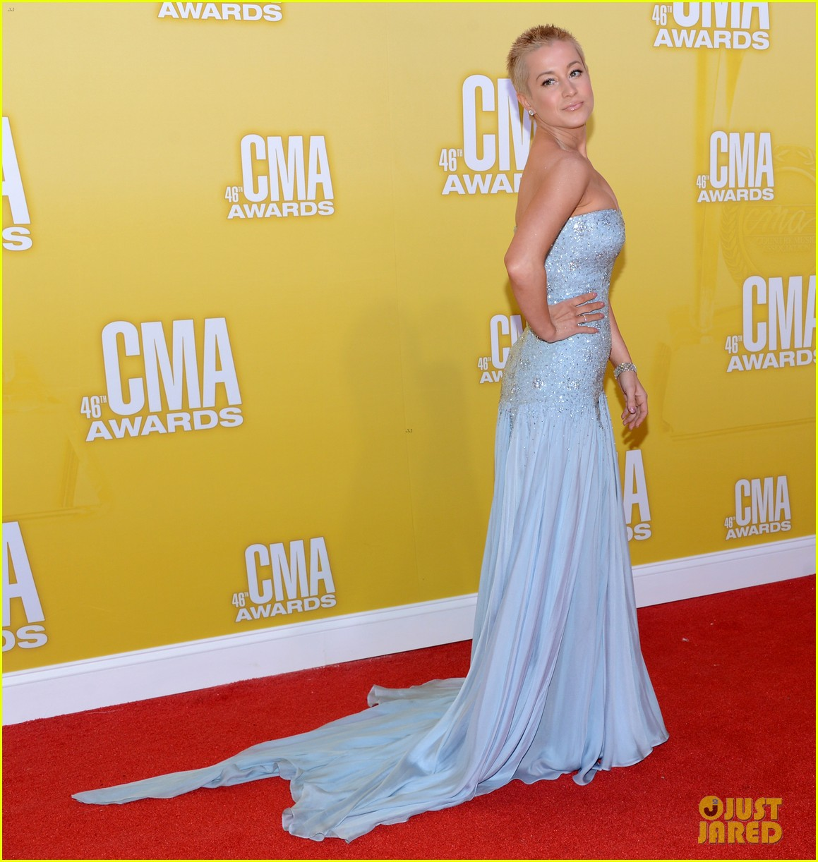 Kellie Pickler CMA Awards 2012 Red Carpet Photo 2749675