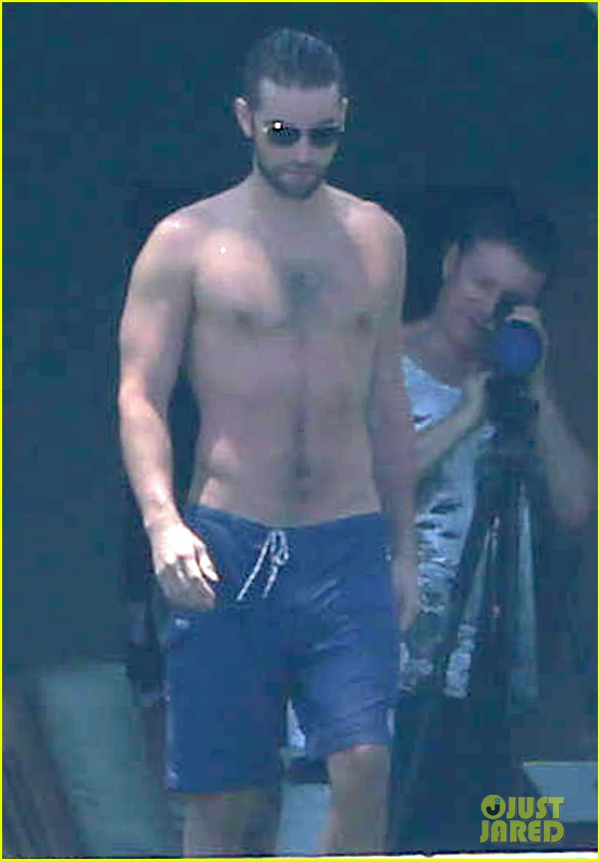 Chace Crawford Shirtless Vacation With Rachelle Goulding