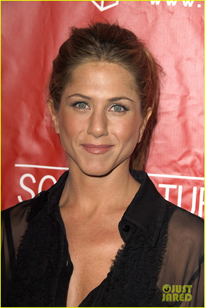 Jennifer Aniston Did NOT Shave Her Hair Off Real Photos