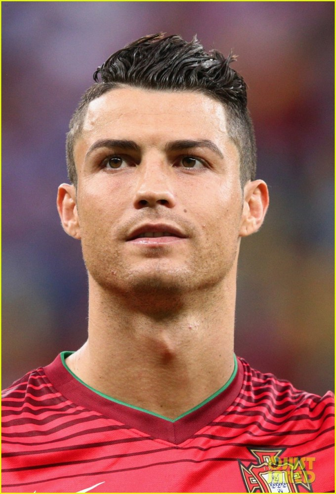injured cristiano ronaldo takes the field for portugal vs. usa world