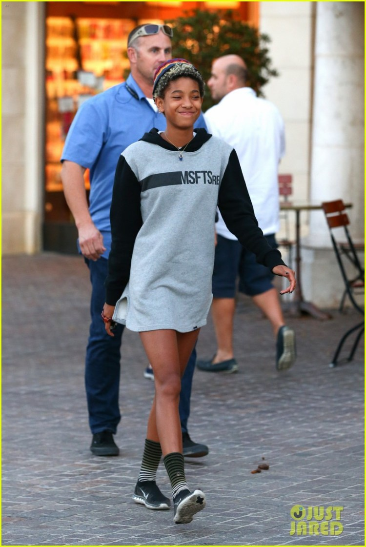 Willow Smith Reps Older Brother Jaden's MSFTSrep Clothing ...