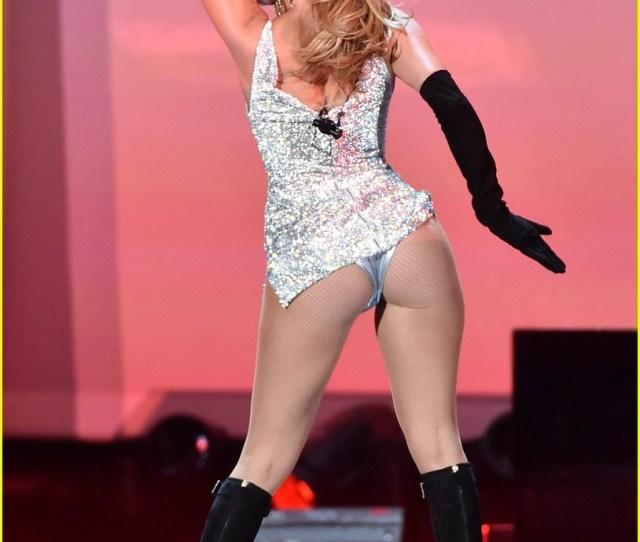 Jennifer Lopez Shows Off Big Booty At Fashion Rocks 2014 Video