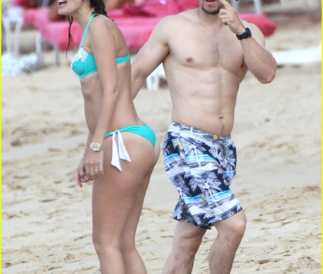 Mark Wahlberg Shows Off Ripped Shirtless Body In Barbados