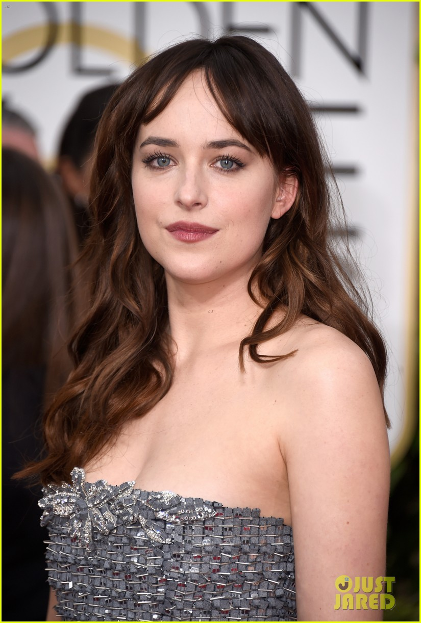 Dakota Johnson Trades Grey For Silver At Golden Globes 2015 Photo 3277899 2015 Golden