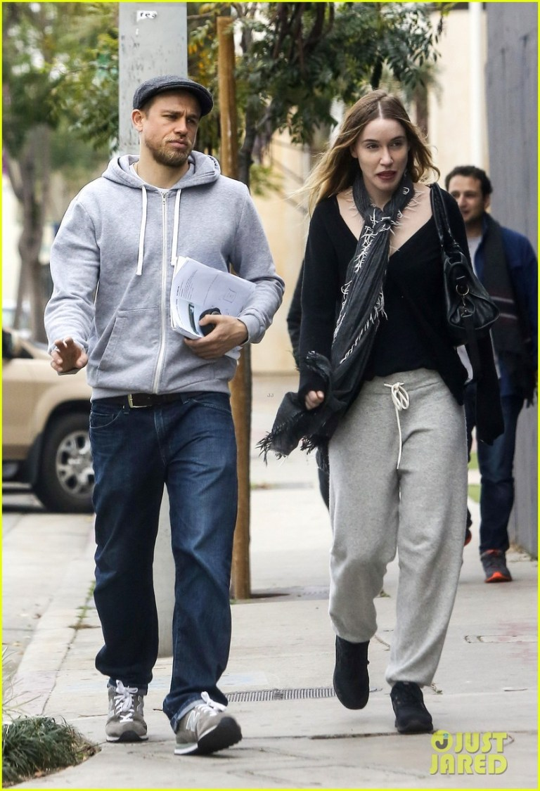 Charlie Hunnam Steps Out With Girlfriend Morgana Mcnelis Photo 3565798 Charlie Hunnam