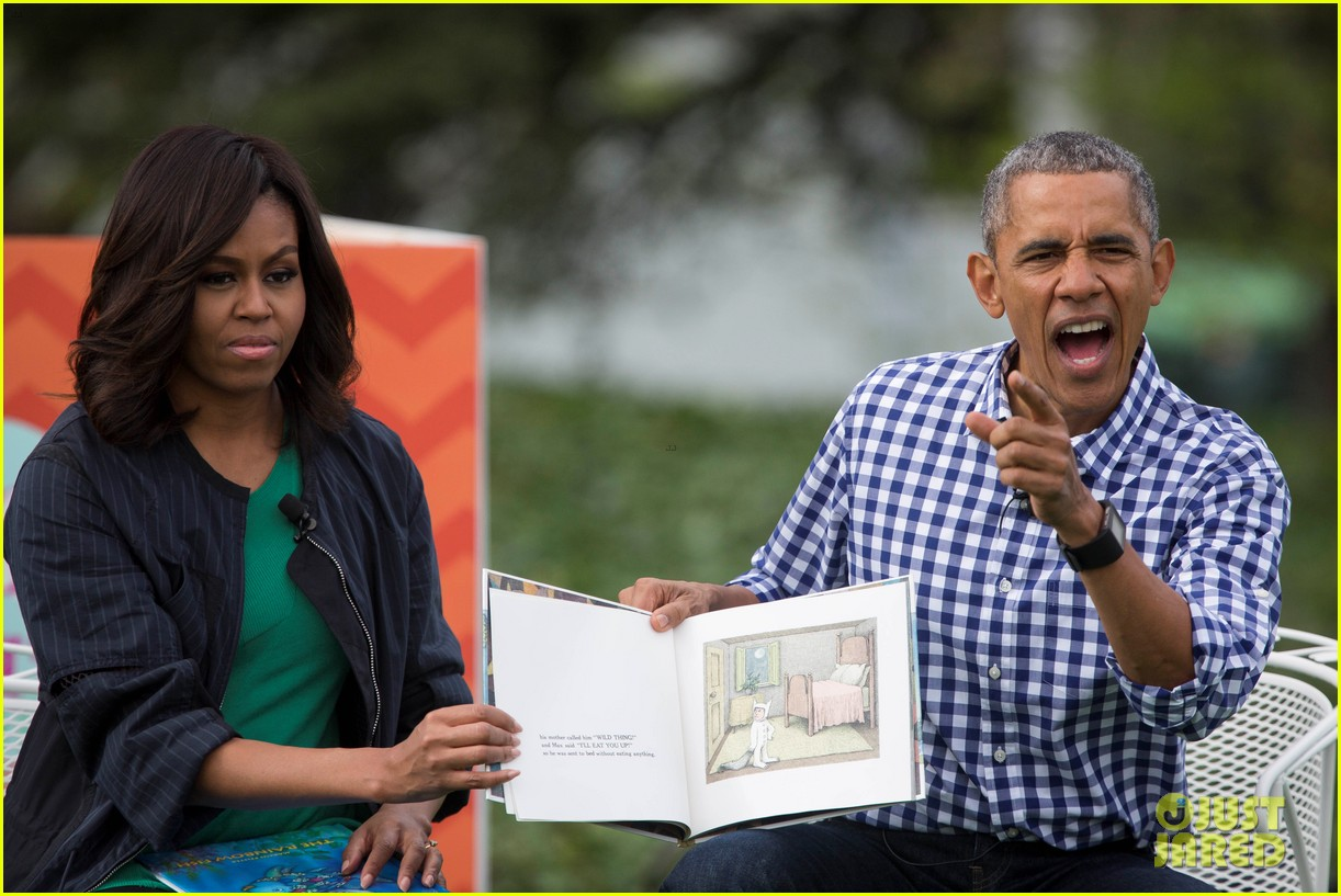 President Amp Michelle Obama Make Amazing Faces During Story Time Photo