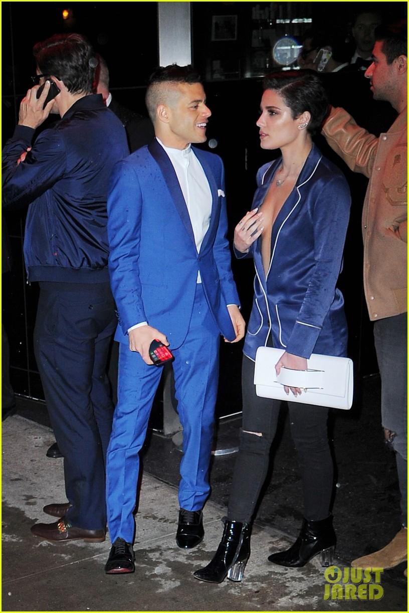 Halsey Amp Rami Malek Mingle In Matching Blazers At 2016 Met