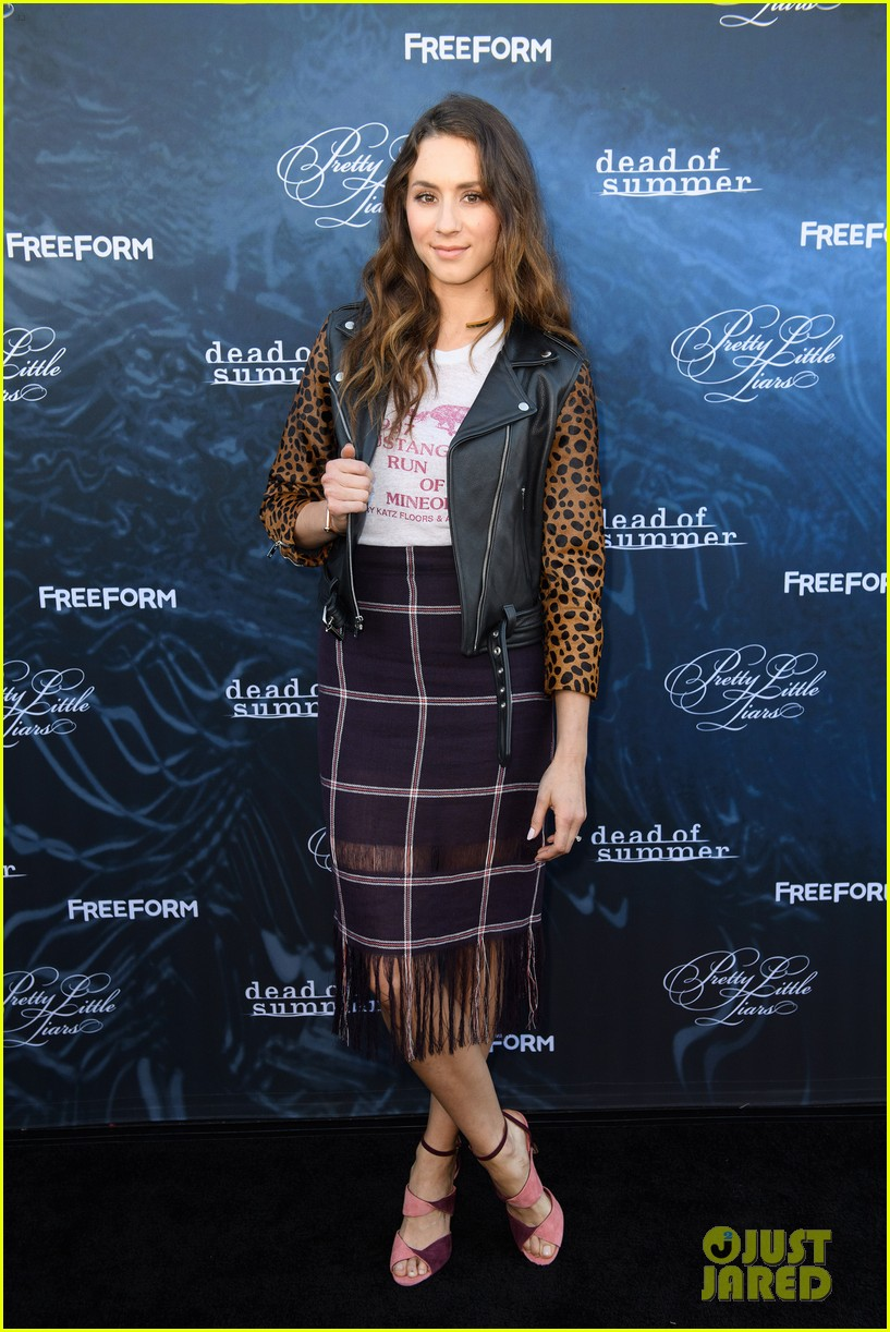 Lucy Hale Amp Troian Bellisario Glam Up The PLL Season 7