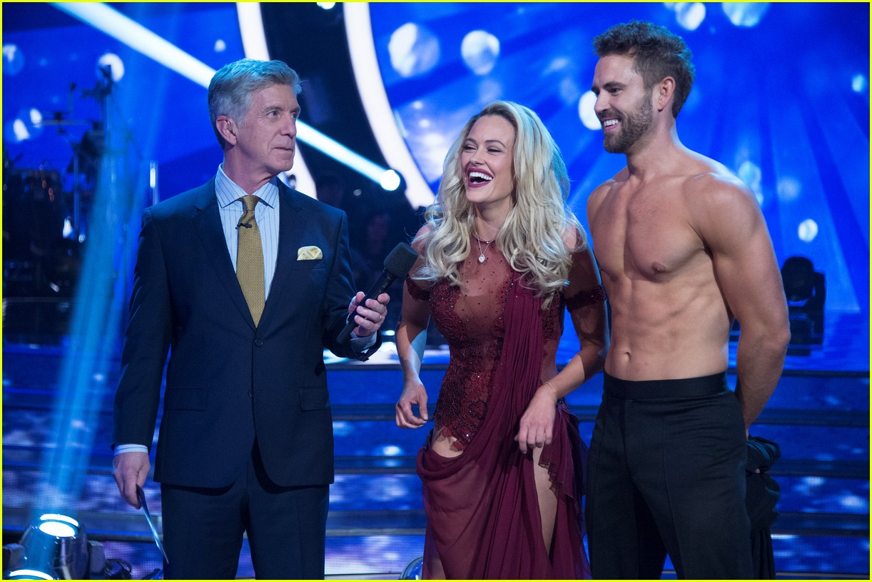 Nick Viall Went Shirtless On DWTS Amp Looked So Hot