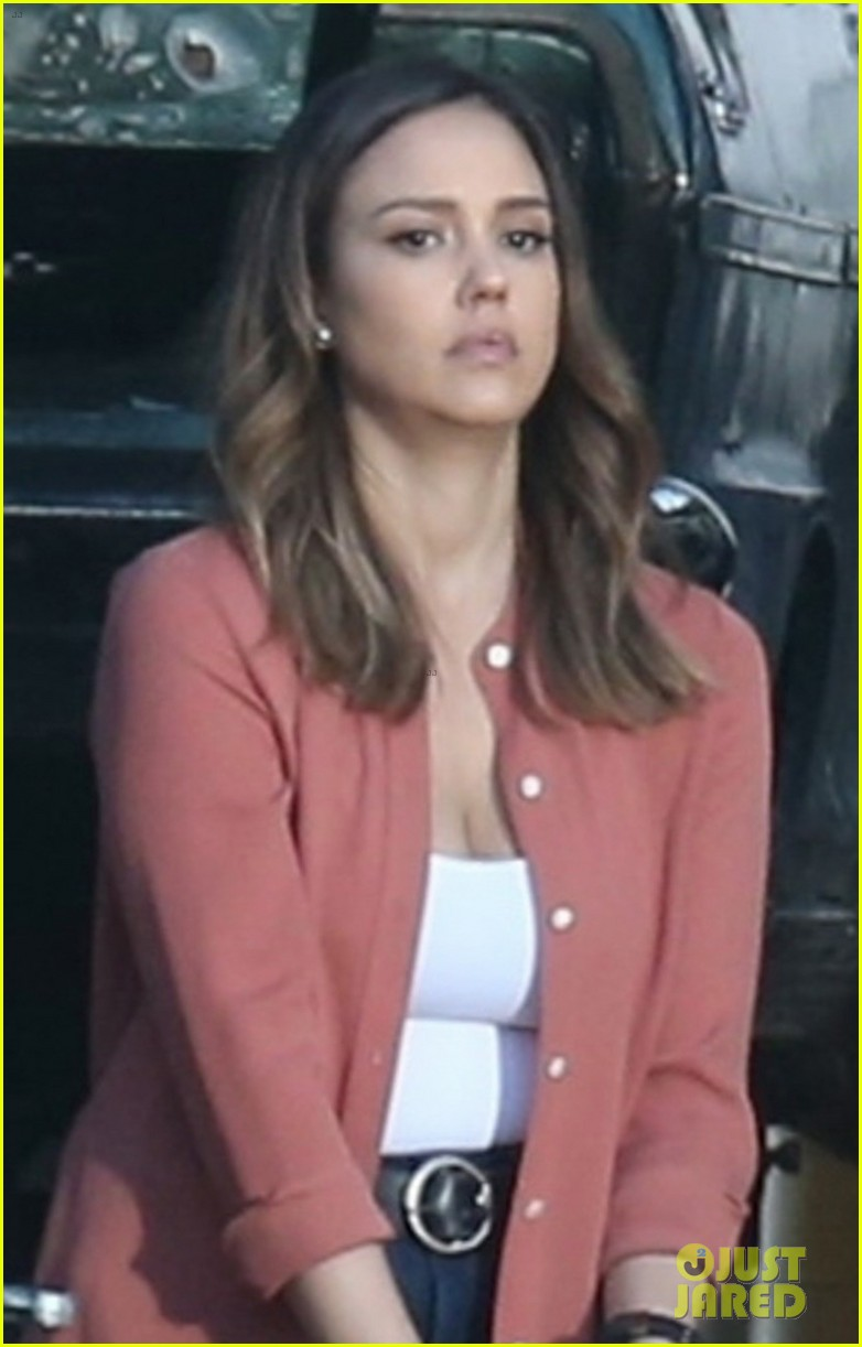 Jessica Alba Amp Gabrielle Union Spring Into Action Filming