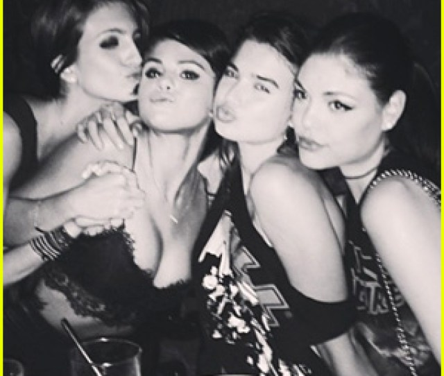 Selena Gomez Parties With Pals In New York City See The Pics