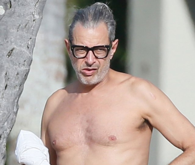 Jeff Goldblum Goes Shirtless During Beach Vacay With Wife Emilie Livingston Emilie Livingston Jeff Goldblum Shirtless Just Jared