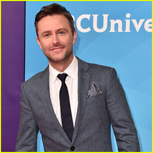 Chris Hardwick Tears Up During 'Talking Dead' Return, EP & Other Staff Quit