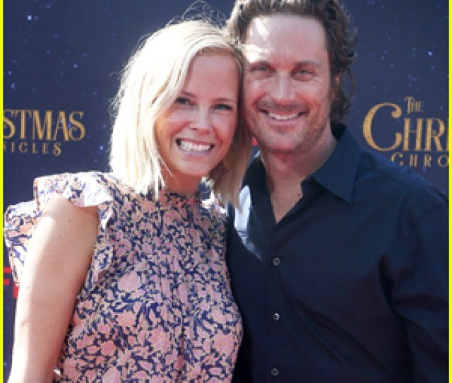 Oliver Hudson Wife Erinn Bartlett Couple Up At The Christmas