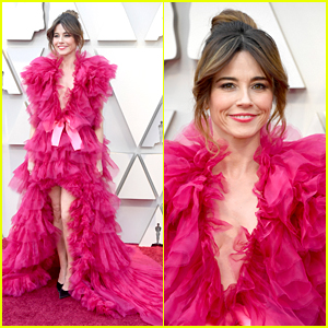 Linda Cardellini Is Pretty in a Pink Tulle Dress at Oscars 2019