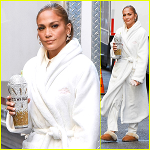 Jennifer Lopez Arrives to the Set of 'Marry Me' in NYC