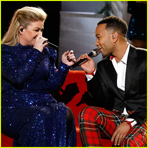 John Legend & Kelly Clarkson Perform Updated 'Baby It's Cold Outside' Remake for First Time! (Video)
