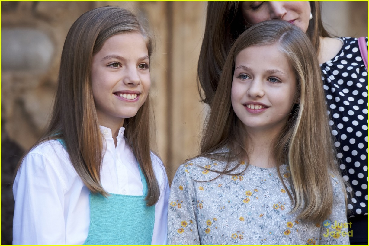 Princesses Leonor Amp Sofia Of Spain Attend Easter Mass In