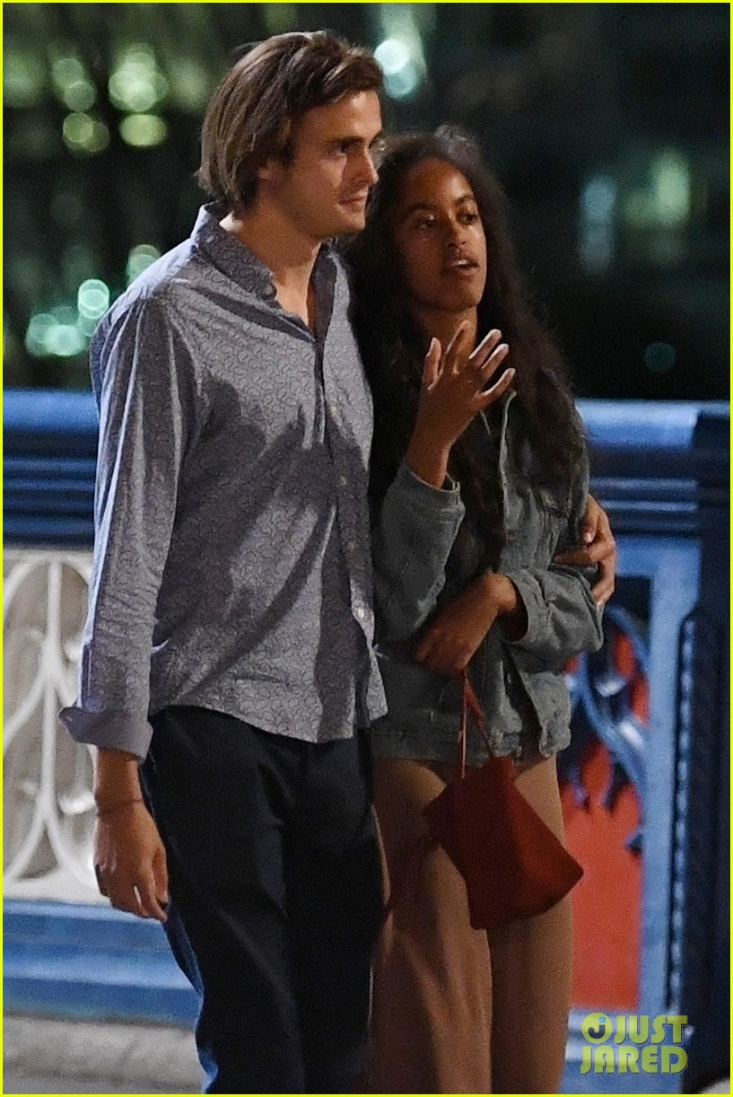 Malia Obama Enjoys Another Date Night In London With Her