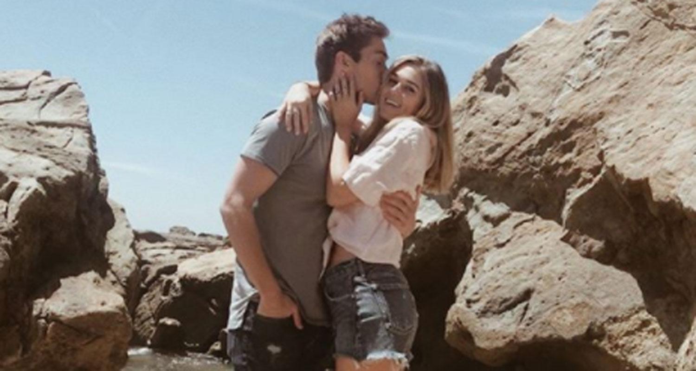 Sadie Robertson Amp Austin North Couple Up For Cute Beach