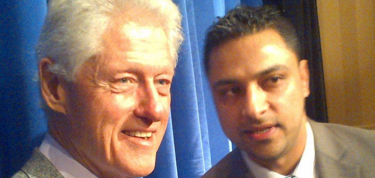 Imran Awan with Bill Clinton / Facebook