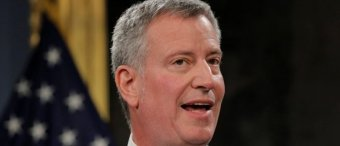 De Blasio: It's 'Distressing' ICE Is Arresting 'Law-Abiding' Illegal Immigrants