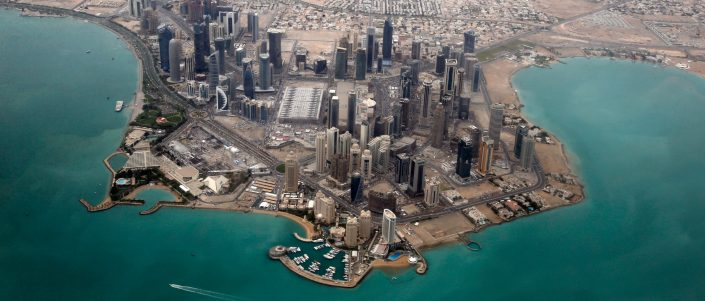 An aerial view shows Doha's diplomatic area March 21, 2013. REUTERS/Fadi Al-Assaad (QATAR - Tags: CITYSCAPE TPX IMAGES OF THE DAY) - GM1E93L1O2W01