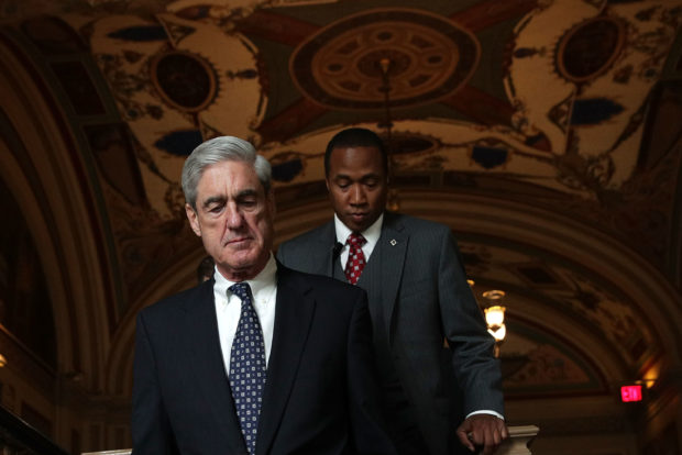 WASHINGTON, DC - JUNE 21: Special counsel Robert Mueller (L) arrives at the U.S. Capitol for closed meeting with members of the Senate Judiciary Committee June 21, 2017 in Washington, DC. The committee meets with Mueller to discuss the firing of former FBI Director James Comey. (Photo by Alex Wong/Getty Images)