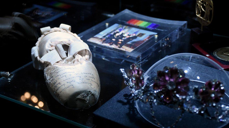 Paloma Herrera cedió algunos de sus tesoros al Teatro Colón para decorar el ambiente